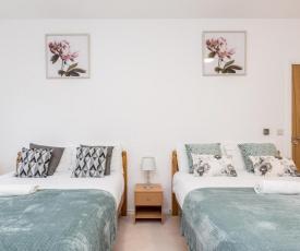 CONEN Chequers Apartment