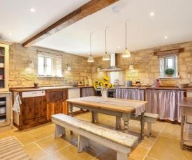 Classic Family Barn Conversion in Radcot