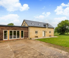Deluxe Cotswolds Barn Conversion near Faringdon