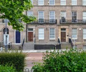 Apartment 2 Hamilton Square