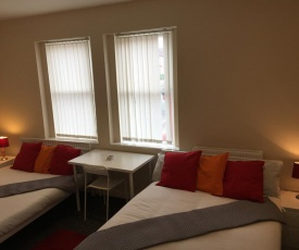 CREL Serviced Apartment- Anfield & Everton Area -Sleeps 7